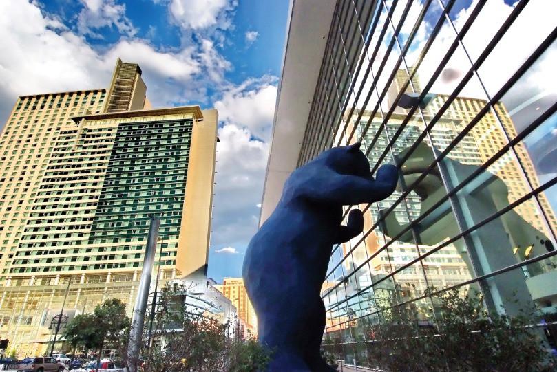 Afbeelding van Blue Bear   Public Art Credit VISIT DENVER