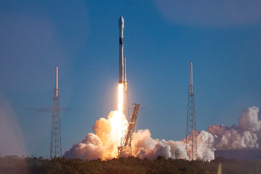 Afbeelding van SpaceX Falcon 9 GPS III 2 Launch Pad 40 On Cape Canaveral Air Force Station