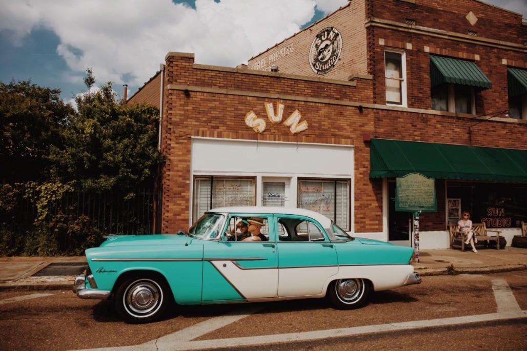 Afbeelding van Photos Memphis Tn Rockabilly Rides Outside Sun Studio
