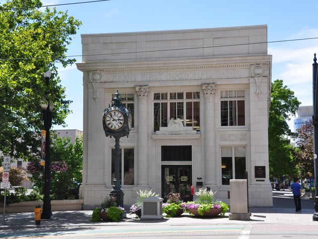 Zions first National Bank, Utah