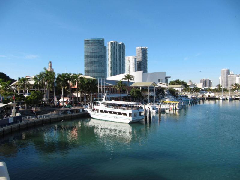 Downtown Miami Bayside Marketplace