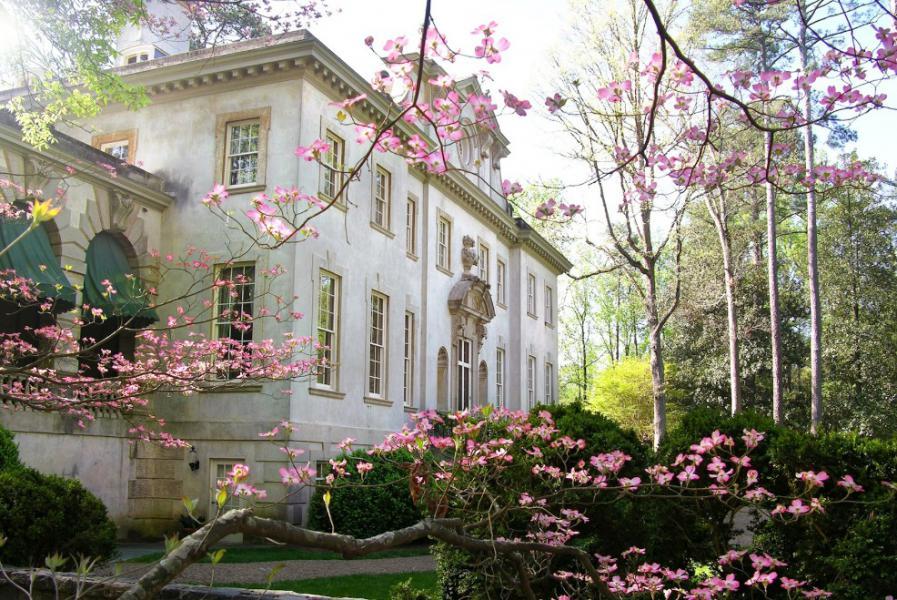 Atlanta History Center. Swan House in Spring