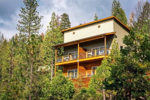 Rush Creek Hillside Villa