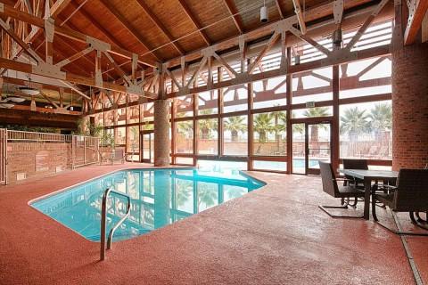 Utstge Indoor Pool